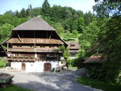 Schwaerzenbachhof