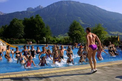 Wassergymnastik im Alpenbad (&copy; Pfronten Tourismus/ E. Reiter : Pfronten Tourismus/ E. Reiter )