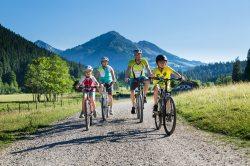 Mountainbiken mit der ganzen Familie Mountainbiken mit der Familie