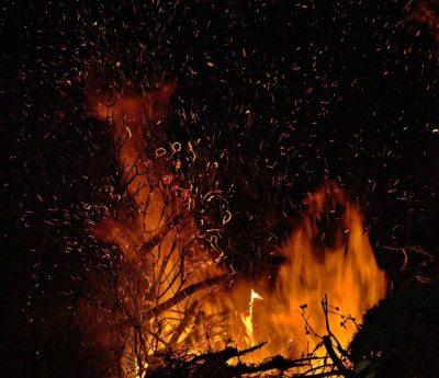 Biikebrennen und Osterfeuer