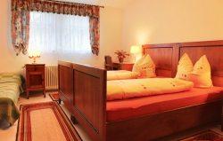 Villa Perlenheinz Schlafzimmer 1