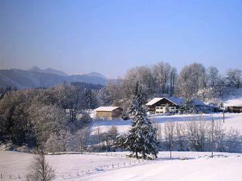 Winterlandschaft am Bauernhaus