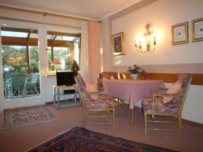 2. Wohn/Schlafbereich mit Wintergarten