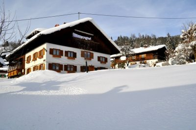 Haus Zint im Winter