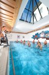 Hallenbad mit Aquacycling