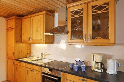 Wohnung Nr. 4 Küche mit kompletter Küchenzeile