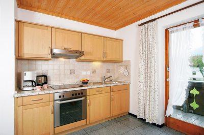 Wohnung Nr. 3 Küche mit Blick zur Küchenzeile