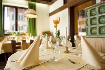 Feste muss man feiern - egal ob Hochzeit, Familienfeier oder Firmenjubiläum. Der Bayerische Hof in Lindenberg im Allgäu bietet in jedem Fall den richtigen und würdigen Rahmen.