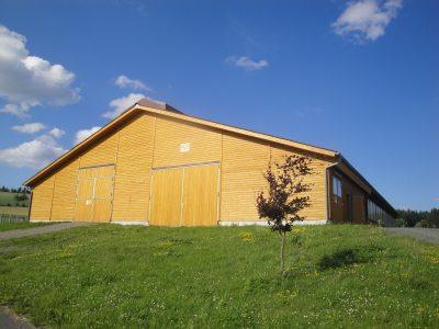 2007 neu erbauter Milchviehlaufstall