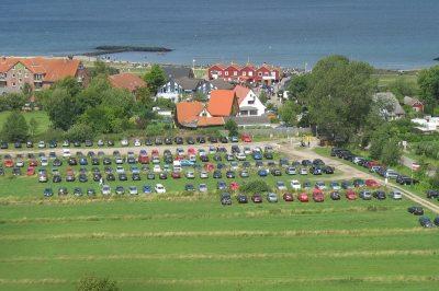 Parkplatz und Strand