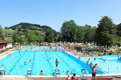 freizeit-schwimmbad