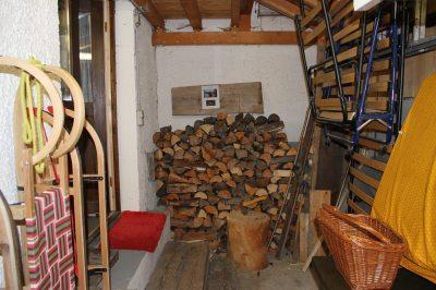 Holz für Kachelofen und Schlitten