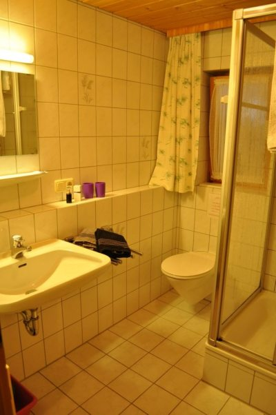 Fewo 2 - Badezimmer