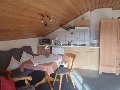 Küche und Sitzgelegenheit