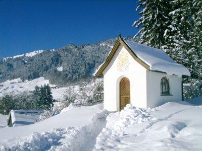 Kapelle am Ortseingang